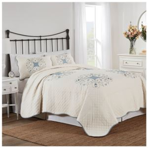 Nostalgia Home Melanie King Quilt Set - (White/Blue)