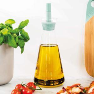Leo Oil Dispenser: Glass & Mint